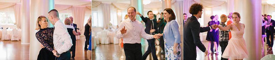 goście weselni bawią się, tańczą i smieją