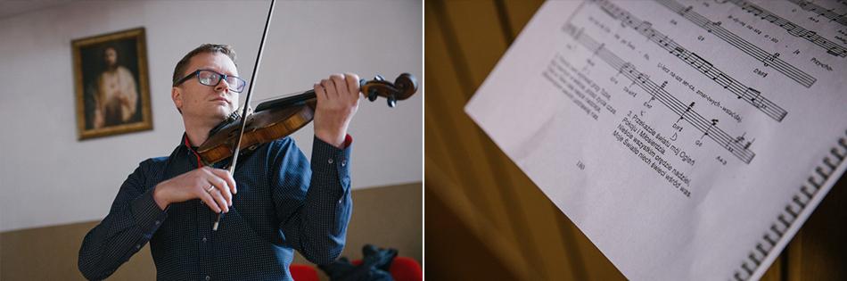 skrzypek na chórze gra