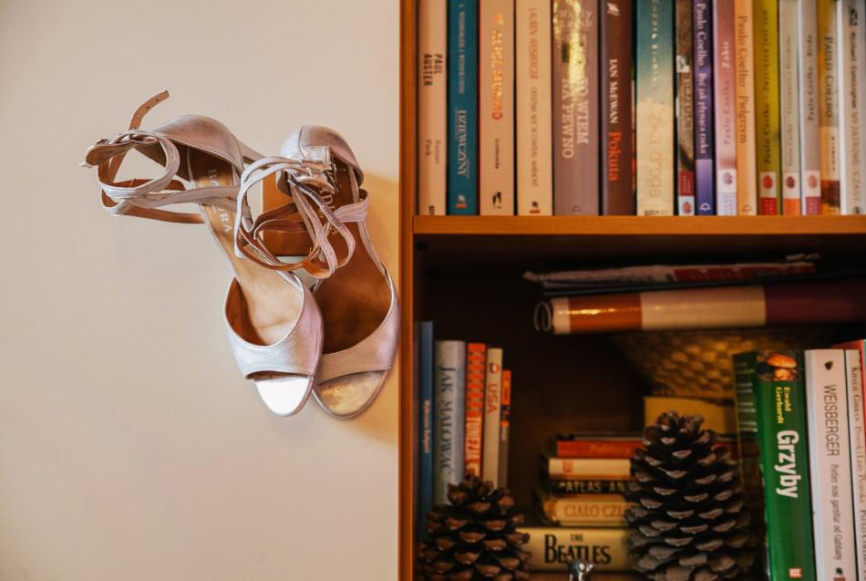 buty Pani Młodej jako detal ślubny